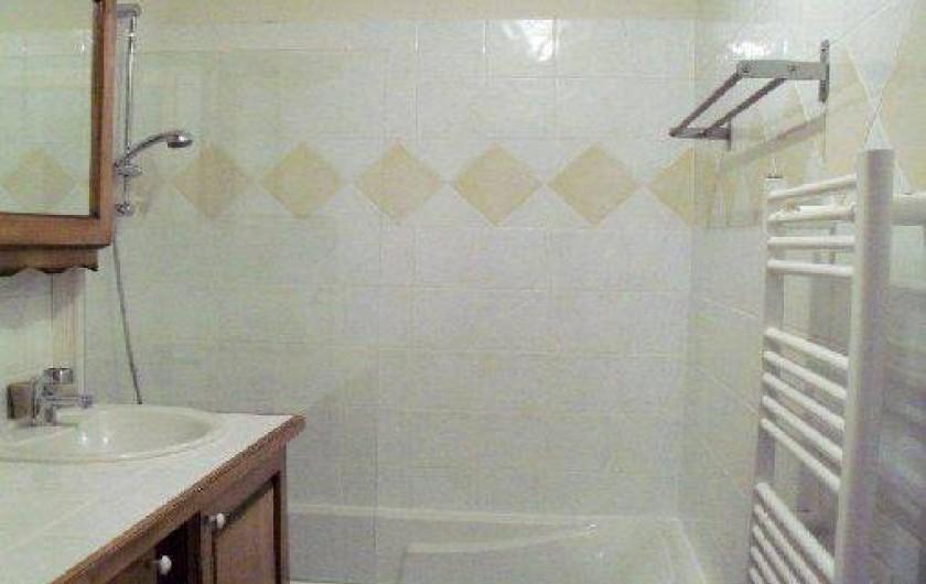 Location de vacances - Appartement à Crest-Voland - salle de bain