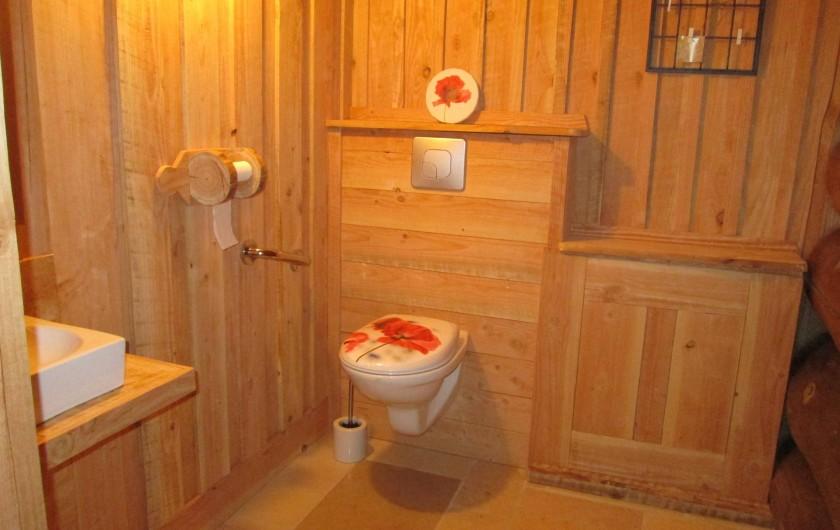 Location de vacances - Chambre d'hôtes à Orconte - WC accessible aux personnes à mobilité réduite