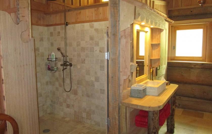 Location de vacances - Chambre d'hôtes à Orconte - Salle de bain