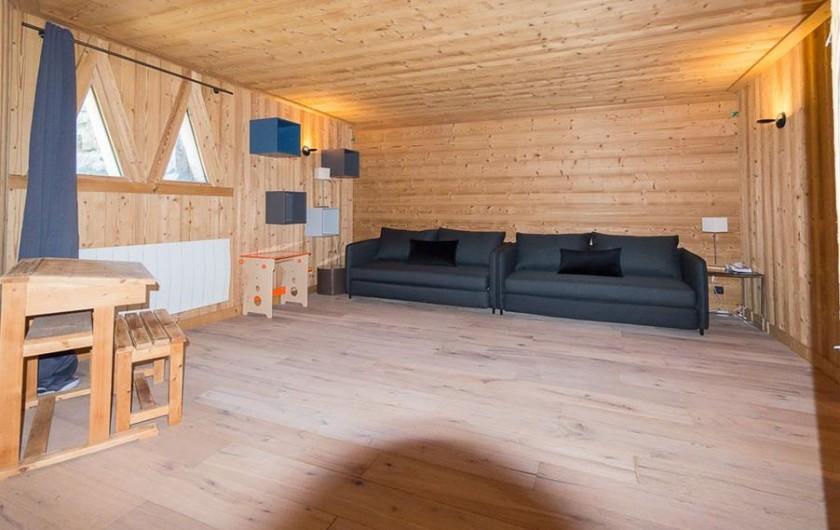 Location de vacances - Chalet à Megève - dortoir avec 2 canapé lits couchage quotidien pour 4 pers : idéal enfants !
