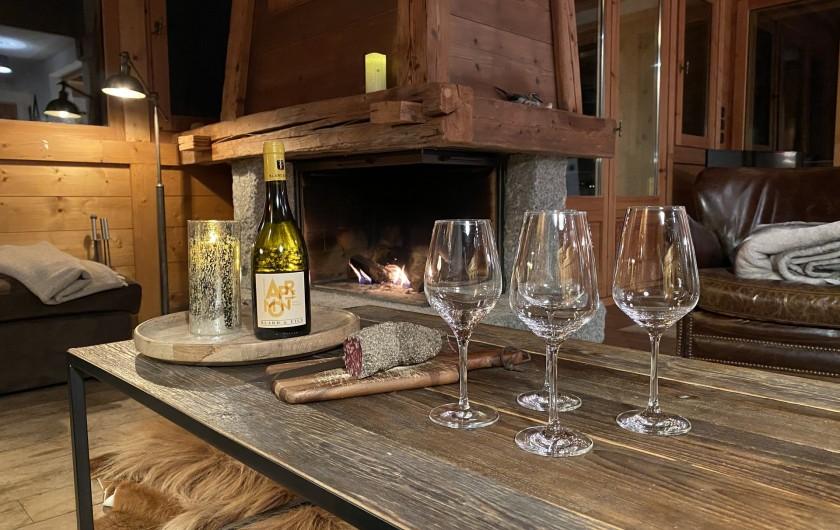 Location de vacances - Chalet à Megève - apero cheminée (bois compris)
