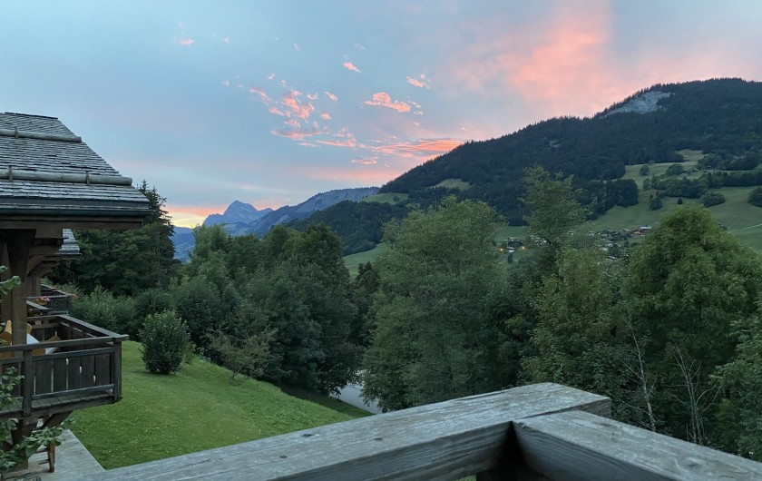 Location de vacances - Chalet à Megève - coucher de soleil rose sur mont charvin : vue incroyable