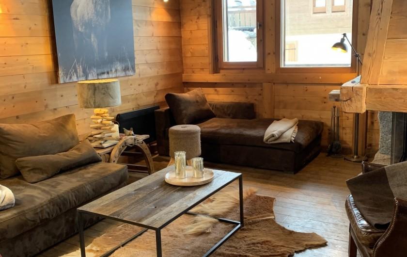 Location de vacances - Chalet à Megève - salon cheminée