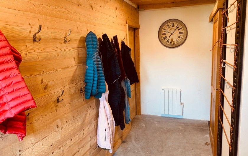 Location de vacances - Chalet à Megève - grand local à ski chauffé