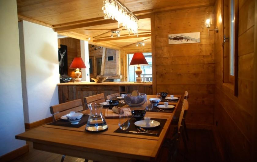 Location de vacances - Chalet à Megève - cuisine et salle à manger spacieuse et très bien équipée