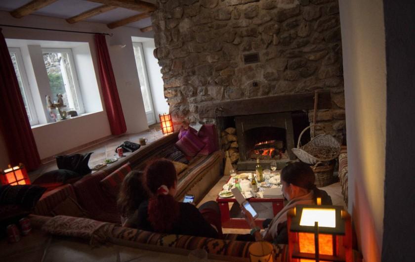 Location de vacances - Chambre d'hôtes à Rochessauve - Fire Place
