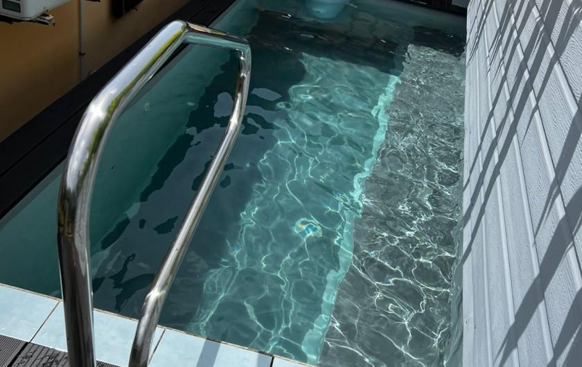 Location de vacances - Villa à Sainte Rose - piscine