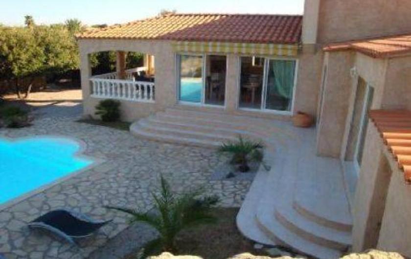 Maison l 39 ile rousse en haute corse avec piscine france for Location garage ile rousse