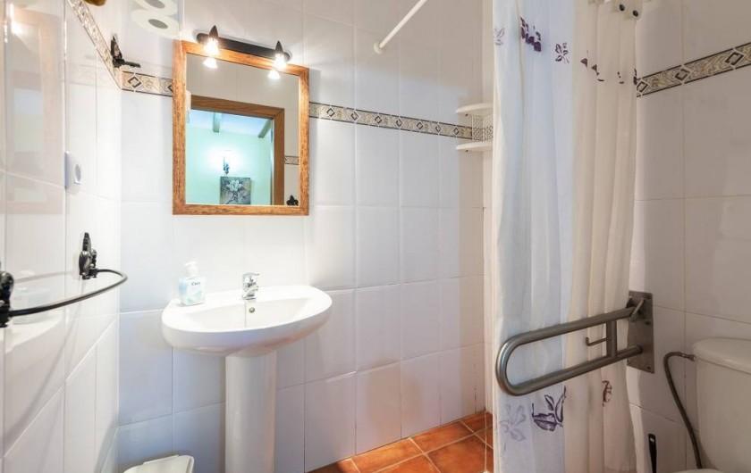 Location de vacances - Chalet à Les Cases d'Alcanar - Chambre 5 salle de bain