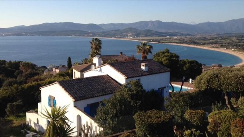 Double vue panoramique : Plage de la viva Porticcio (à 800m) et Golfe Ajaccio