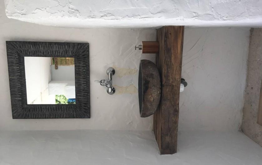 Location de vacances - Villa à Porticcio - Lavabo en pierre