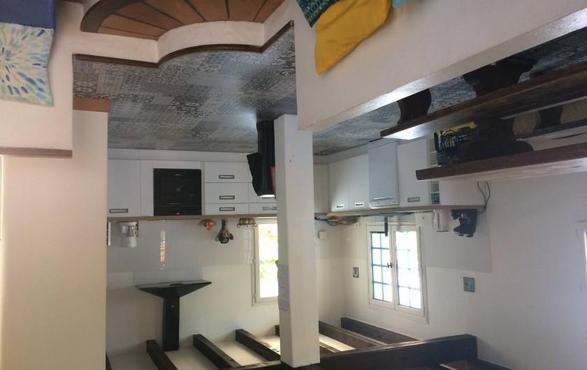 Location de vacances - Villa à Porticcio - Cuisine toute neuve (parquet carreaux de ciment)
