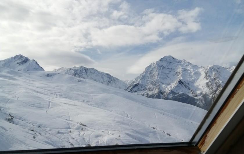 Location de vacances - Appartement à Loudenvielle - Vue sur la vallée, l'hiver.