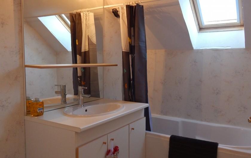 Location de vacances - Appartement à Loudenvielle - Salle de bain.