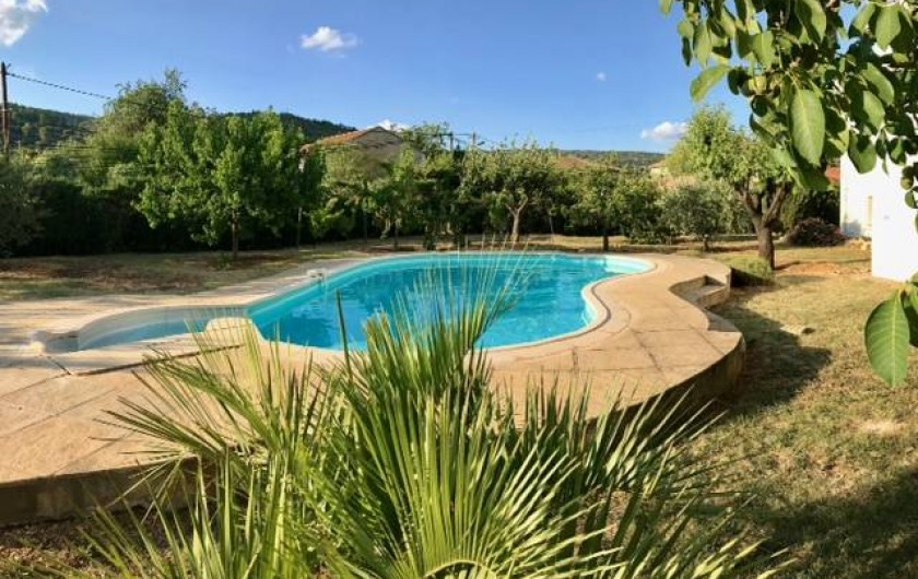 Location de vacances - Appartement à Saint-Jean-de-Fos - Piscine