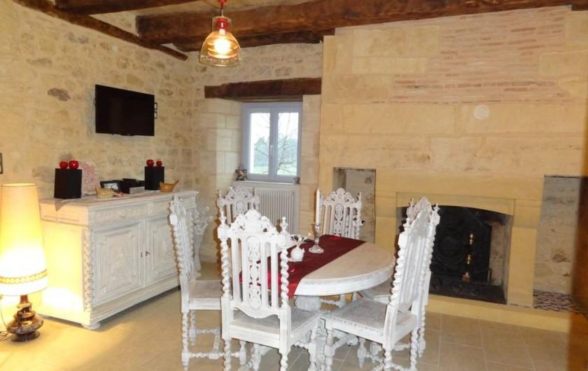 Location de vacances - Gîte à Saint-Avit-Sénieur - La salle à manger
