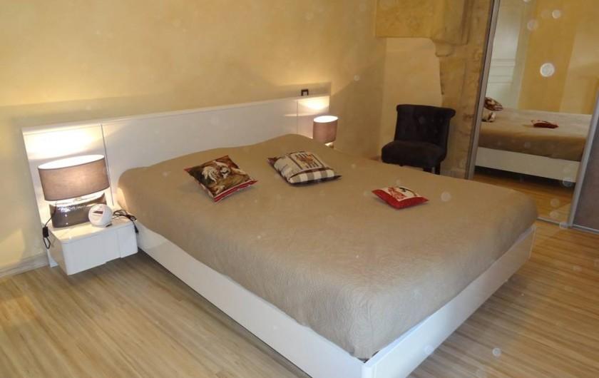 Location de vacances - Gîte à Saint-Avit-Sénieur - Chambre 1 - lit 160