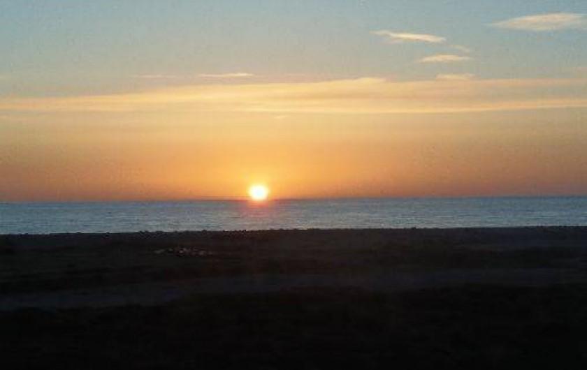 Location de vacances - Appartement à Cayeux-sur-Mer - Coucher de soleil vu de la location