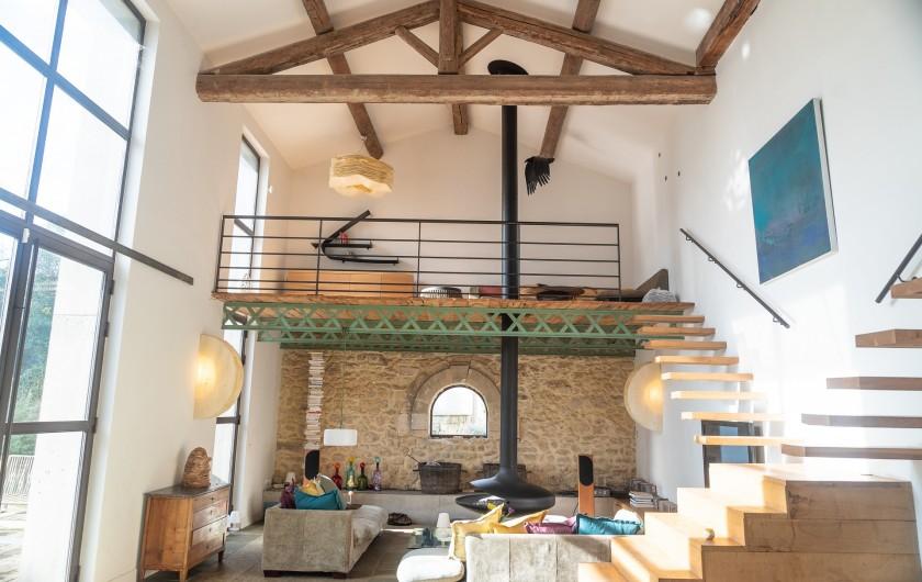 Location de vacances - Mas à Montpellier - Pièce à vivre 80m2 donnant sur la terrasse et la piscine