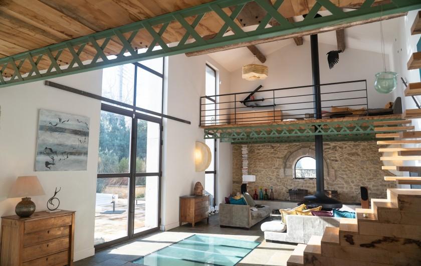 Location de vacances - Mas à Montpellier - Pièce de vie avec mezzanines