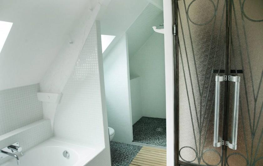 Location de vacances - Gîte à Miers - salle de bain 570 baignoire , douche , wc