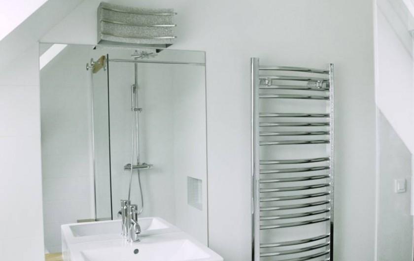 Location de vacances - Gîte à Miers - salle de bain 292 douche , wc , meuble une vasque