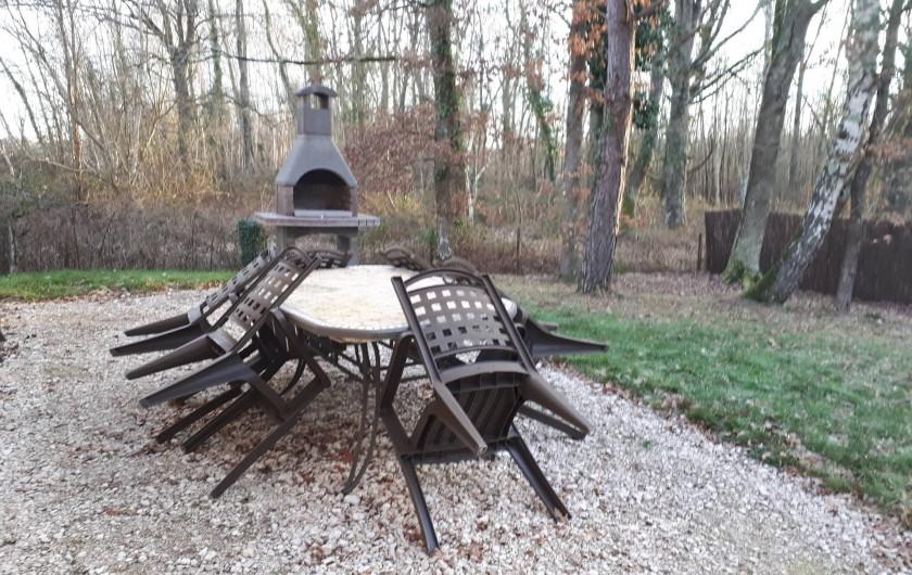 Location de vacances - Gîte à Crouy-sur-Cosson - Barbecue et Salon de jardin