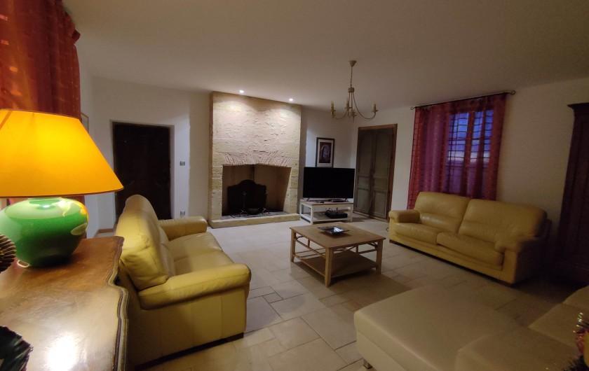 Location de vacances - Gîte à Saint-Médard-d'Excideuil - Séjour La Girouette