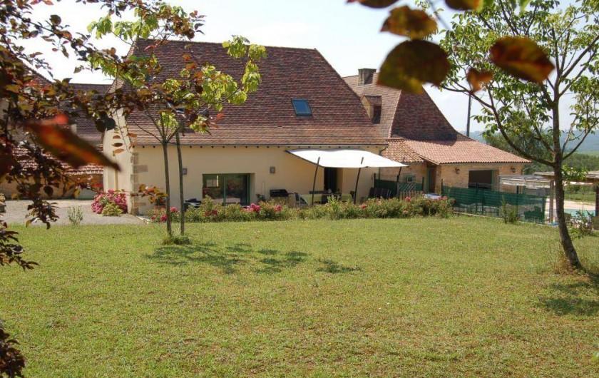 Location de vacances - Gîte à Saint-Médard-d'Excideuil - les Figuiers coté jardin