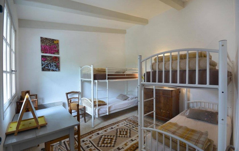 Location de vacances - Mas à Les Baux-de-Provence - 1 des chambres enfants