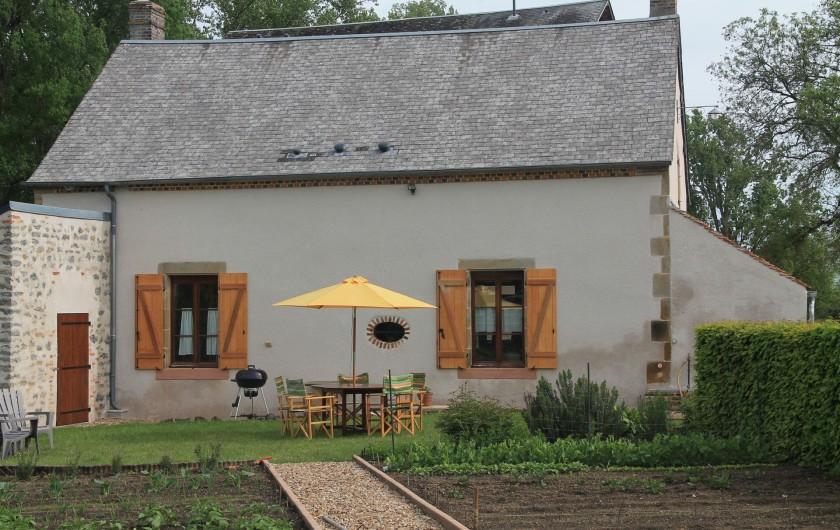 Location de vacances - Maison - Villa à Cercy-la-Tour - Côté jardin