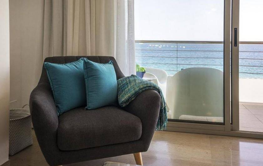 Location de vacances - Appartement à Sant Antoni de Calonge - coin relax au séjour...