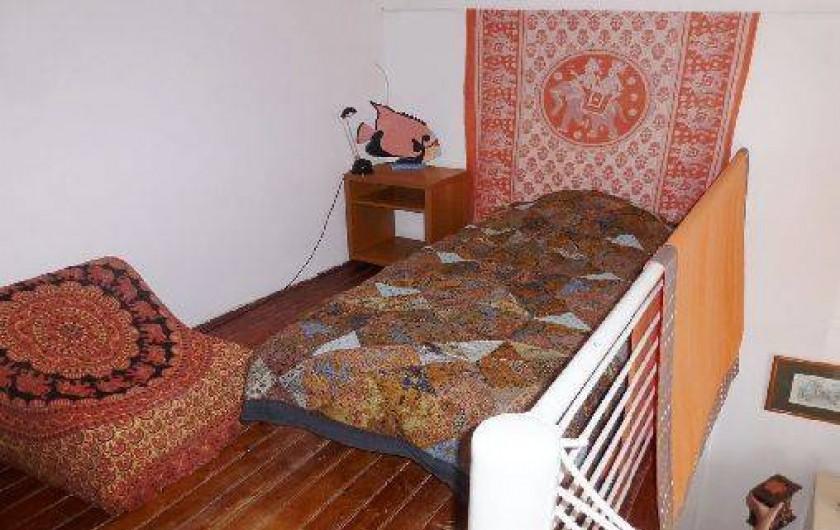 Location de vacances - Appartement à Six-Fours-les-Plages - Mezzanine lit une place