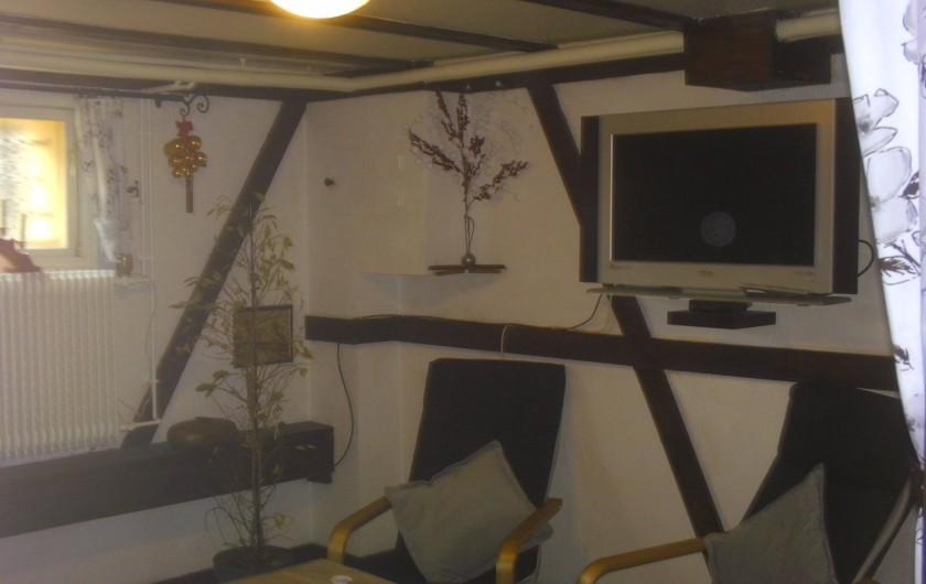 Location de vacances - Appartement à Colmar - Salon écran plat Wifi
