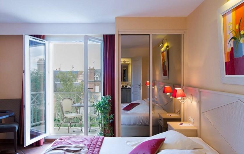 Location de vacances - Hôtel - Auberge à Deauville - Chambre Confort avec Balcon