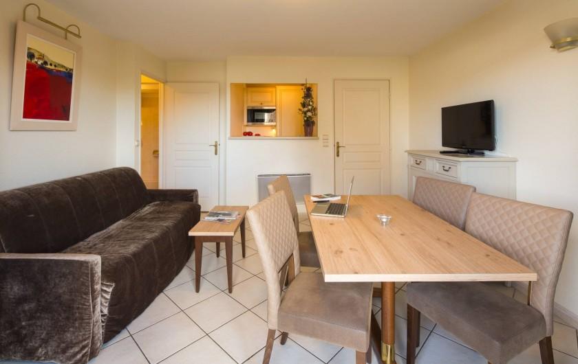 Location de vacances - Hôtel - Auberge à Deauville - Séjour Appartement Confort