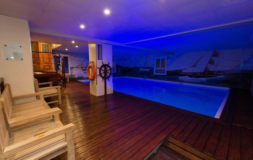 Location de vacances - Hôtel - Auberge à Deauville - Piscine intérieure chauffée