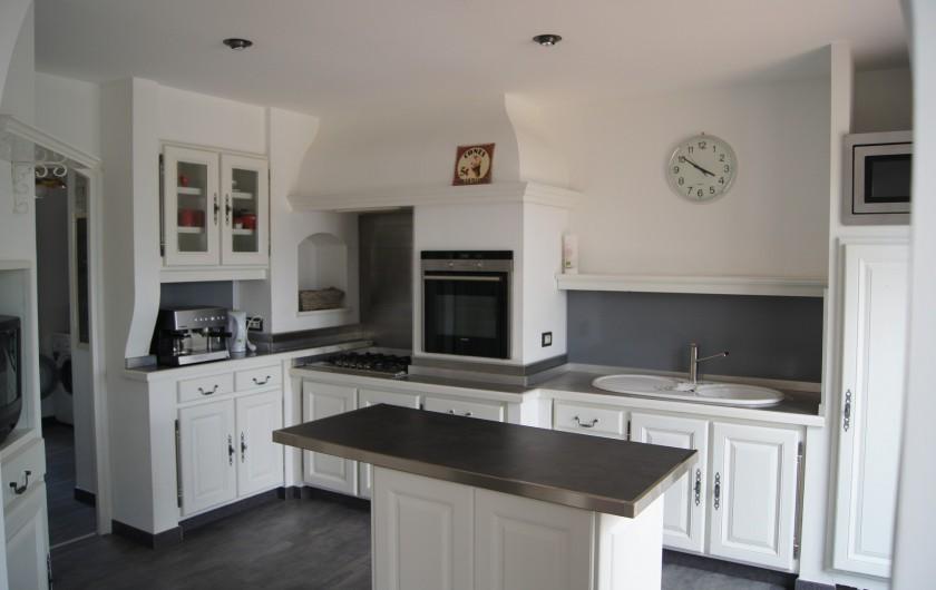 Location de vacances - Villa à Vauvert - La cuisine entièrement équipée