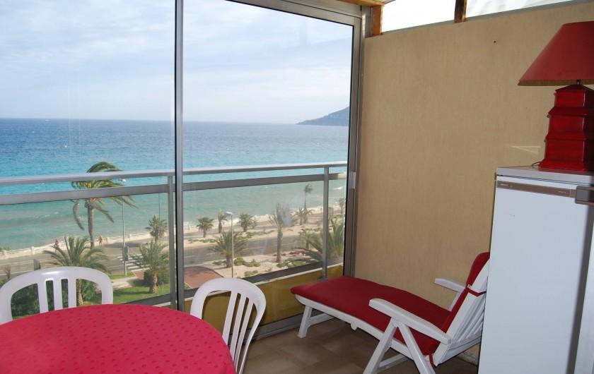 Location de vacances - Studio à Cannes la Bocca - terrasse vue mer