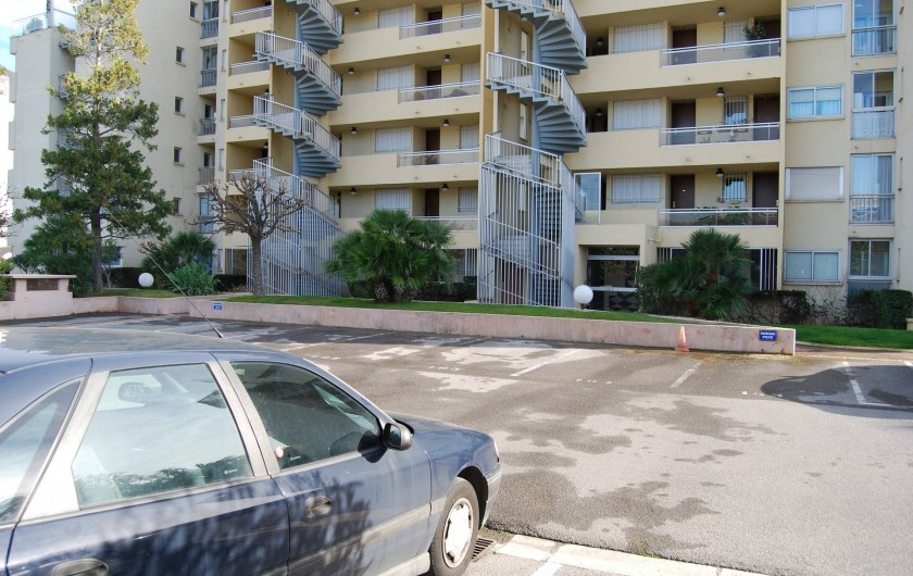 Location de vacances - Studio à Cannes la Bocca - place de parking privé No 16