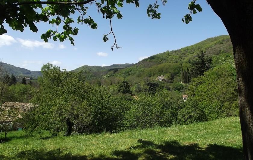Location de vacances - Gîte à Aumessas - Vue sur les montagnes