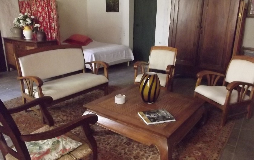 Location de vacances - Gîte à Aumessas - Le salon dans la grande pièce
