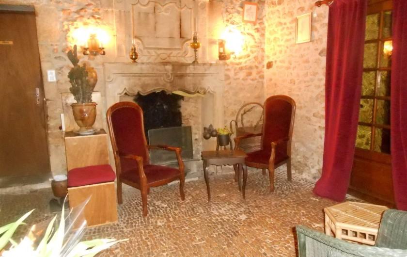Location de vacances - Bungalow - Mobilhome à Le Buisson-de-Cadouin - Salon et accueil