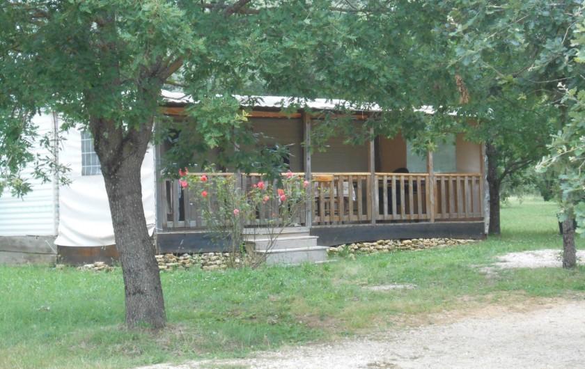 """Location de vacances - Bungalow - Mobilhome à Le Buisson-de-Cadouin - Bingalow """"Dordogne"""""""