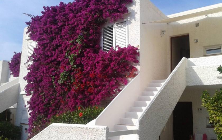 Location de vacances - Appartement à Santa Eulària des Riu - TERRAZA DE DELANTE ENTRADA