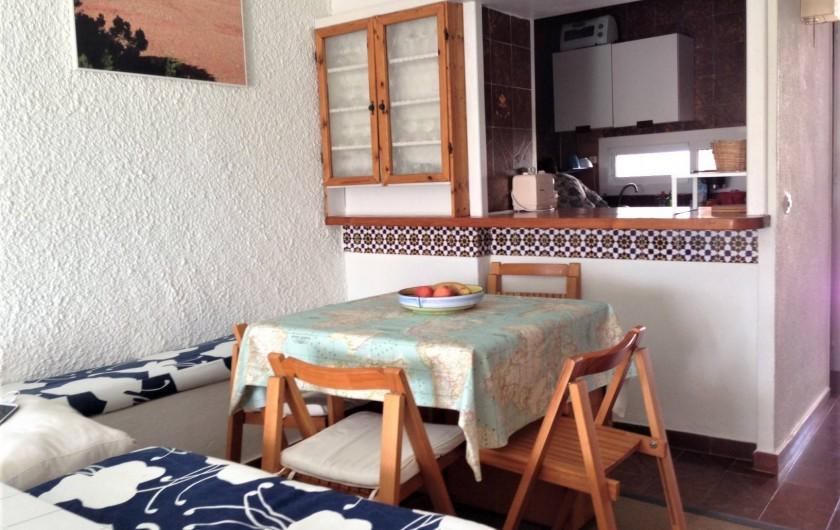 Location de vacances - Appartement à Santa Eulària des Riu - COMEDOR