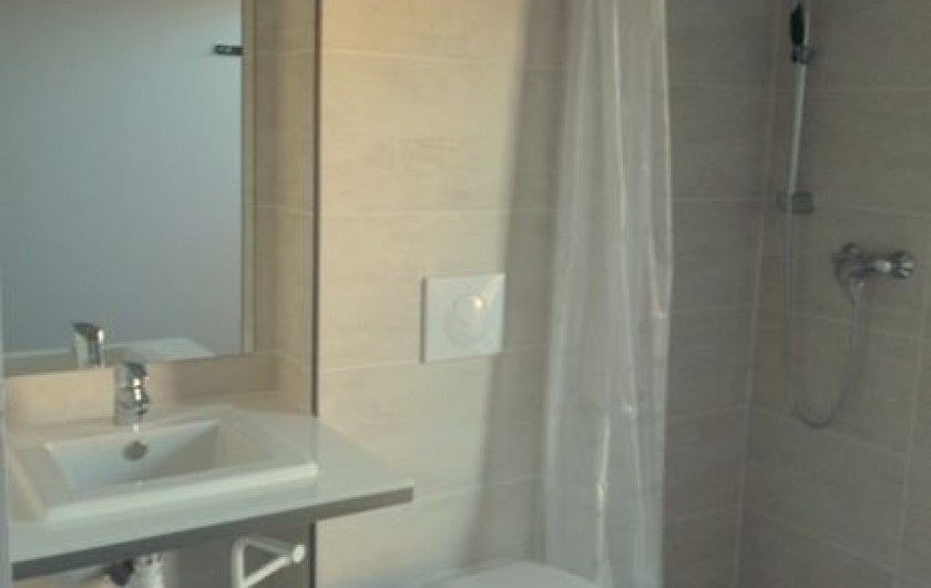 Location de vacances - Villa à Agay - salle d'eau handicapé