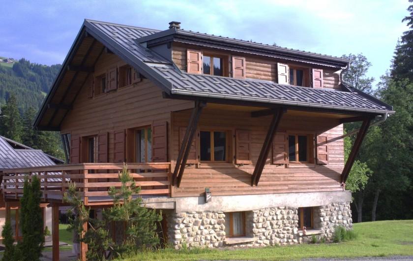 Location de vacances - Chalet à Les Gets - Chalet l'été face ensoleillée: est. Balcon au sud