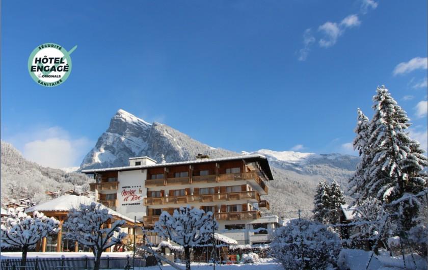 Location de vacances - Hôtel - Auberge à Samoëns - Hôtel Neige et Roc en hiver - Hôtel engagé sécurité sanitaire