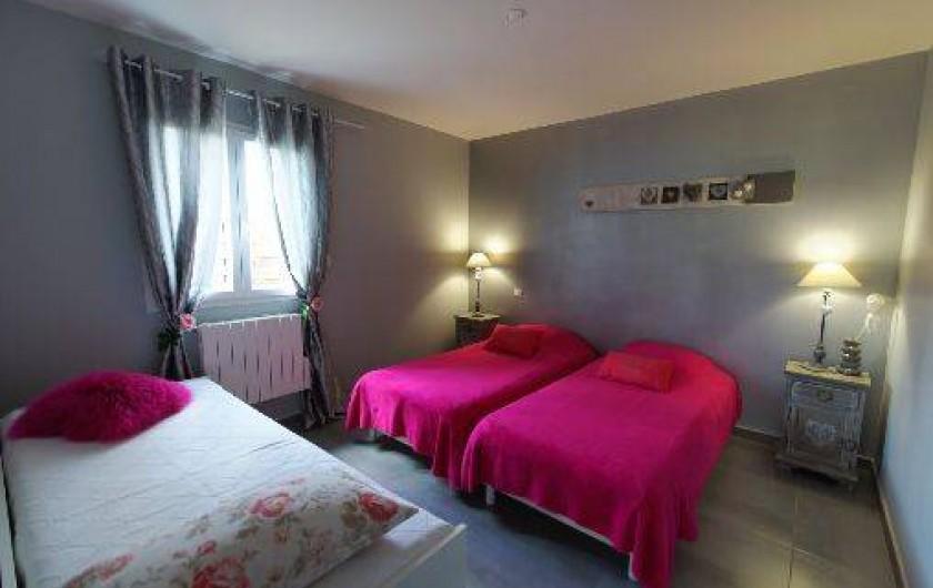 Location de vacances - Gîte à Draguignan - Chambre 2 3 lits vue sur le sud